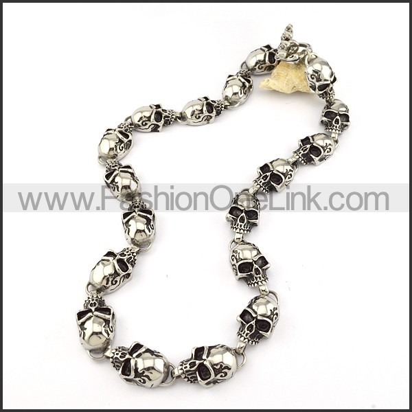 Wicked Skull Necklace       n000206