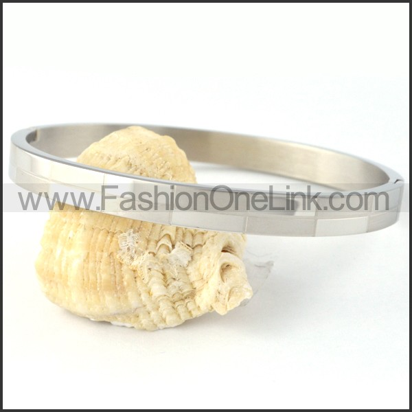 Succinct Stainless Steel Couple Bangle b000405