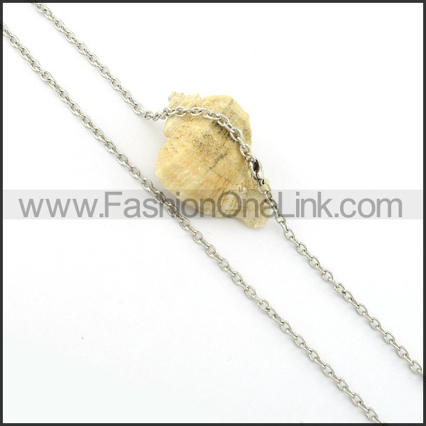 Elegant Small Chain     n000370