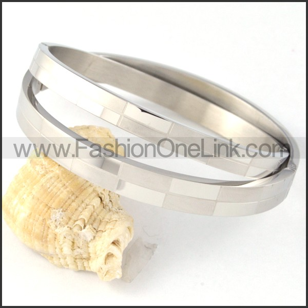 Silver Small Rectangle Design Couple Bangle b000406