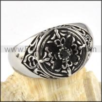 Black Solid Rhinestone Cross Ring in steel r000071