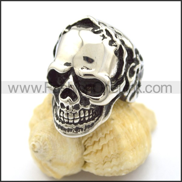 Exquisite Stainless Steel Skull Ring r001770