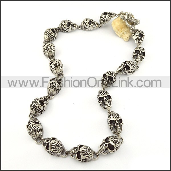 Exquisite Skull Necklace       n000204