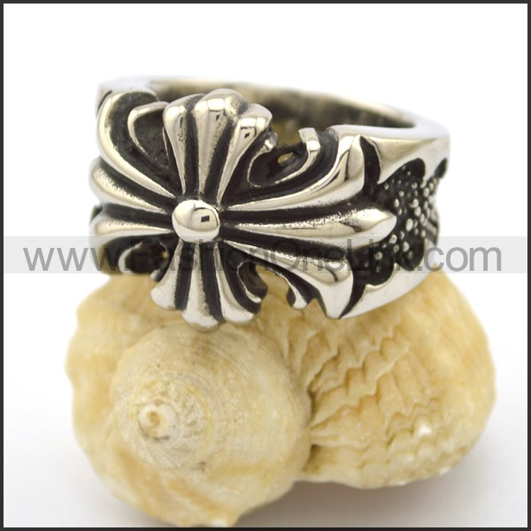 Stainless Steel Cross Ring    r002742