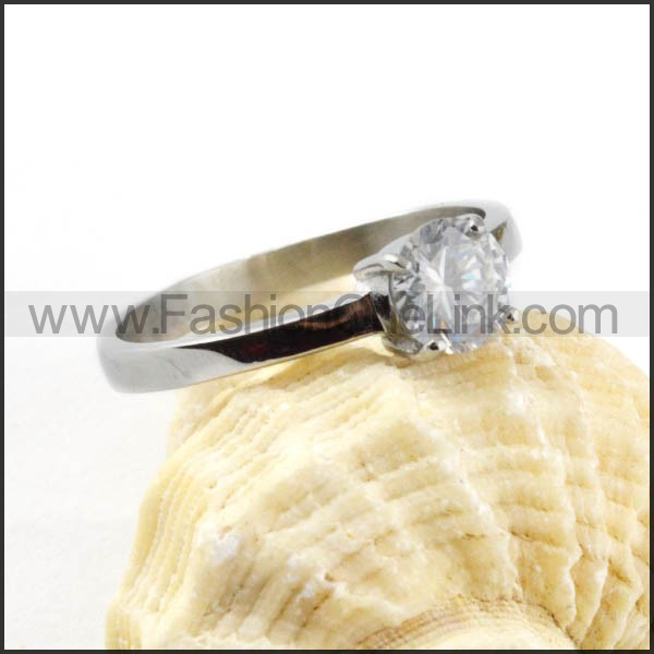 Stainless Steel Classic Zircon Ring r000033