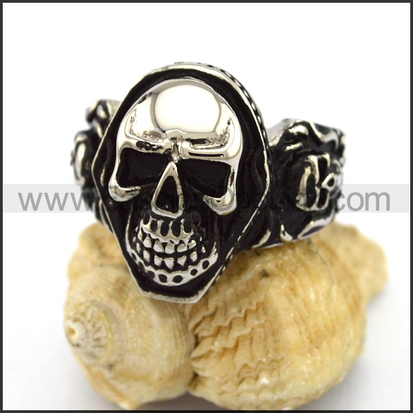 Delicate Stainless Steel Skull Ring  r003186
