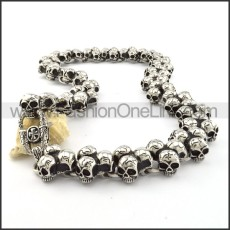Delicate Skull Necklace       n000202