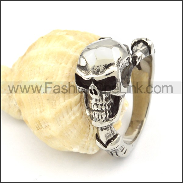 Stainless Steel Wicked Skull Ring r000327