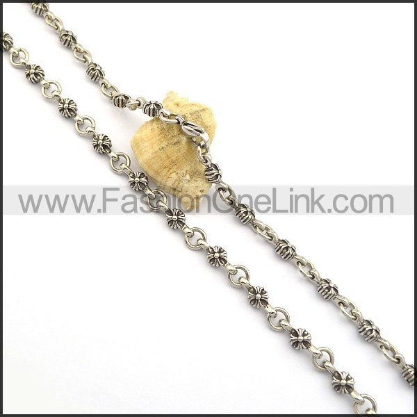 Delicate Interlocking Flower Casting Necklace n000751