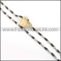 Black and Silver Interlocking Chain Plated Necklace      n000082