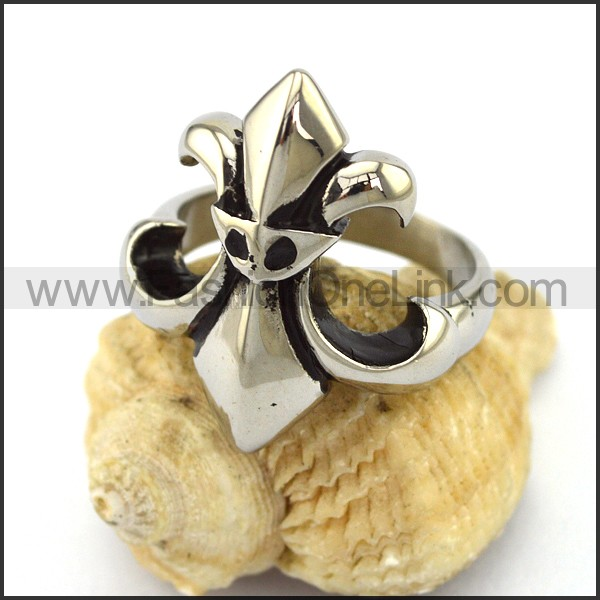Delicate Stainless Steel Cross Ring    r002936