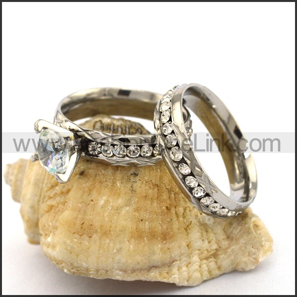 Exquisite Stainless Steel Stone Ring  r003138