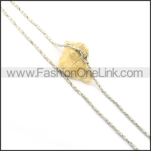 Delicate Small Chains n000636