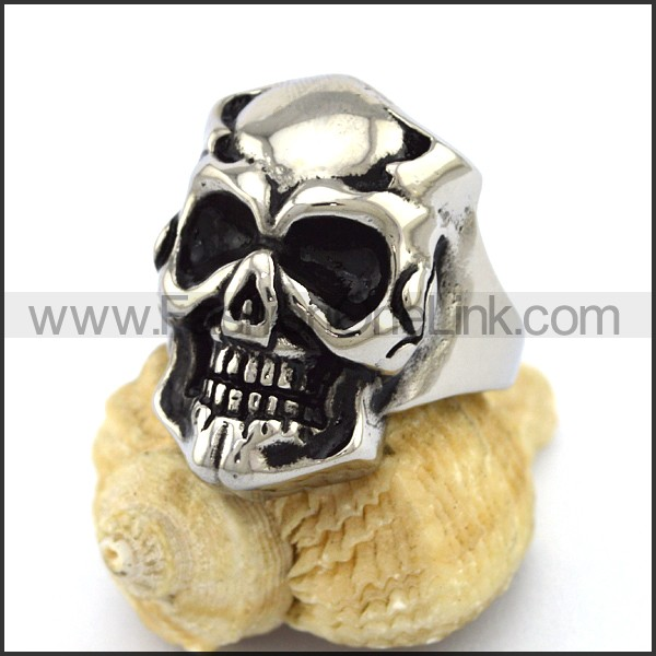 Delicate Stainless Steel Skull Ring  r003185