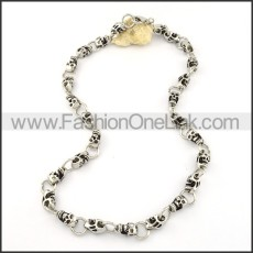 Wicked Skull Necklace       n000199