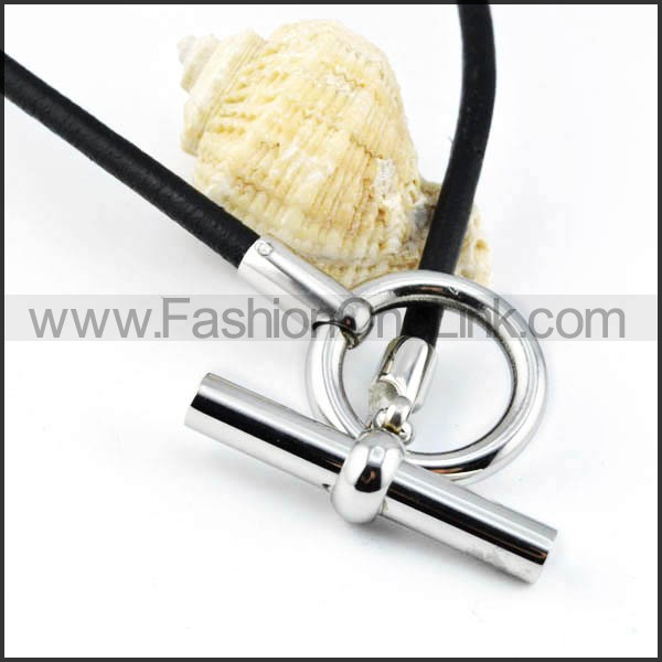Circle and Cylinder Rubber Necklace  n000002