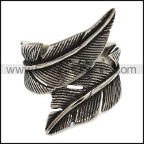 Delicate Feather Ring r001920
