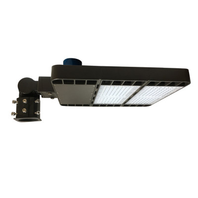200W LED Parking Lot & Shoebox - 26000 Lumens - 100-277VAC - 750W Metal Halide Equivalent - 5000K