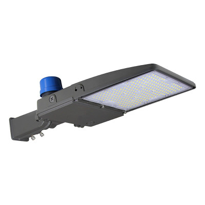 200W LED Parking Lot & Shoebox - 26000 Lumens - 100-277VAC - 600-800W Metal Halide Equivalent - Type III -5000K