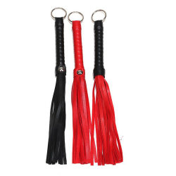 Flirting Iron Ring Black Red Whip