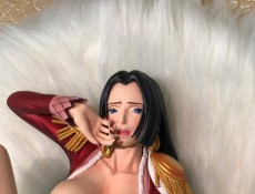 【In Stock】R-18 Studio  One-Piece Boa Hancock Making Herself Comfortable 1:4 Resin Statue