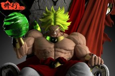 【Pre order】DJFUNGSHING Studio Dragon Ball Z Super Broly on the throne  Resin Statue Deposit